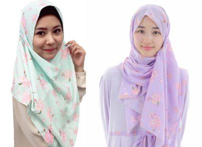 Hijab dengan desain bunga sakura